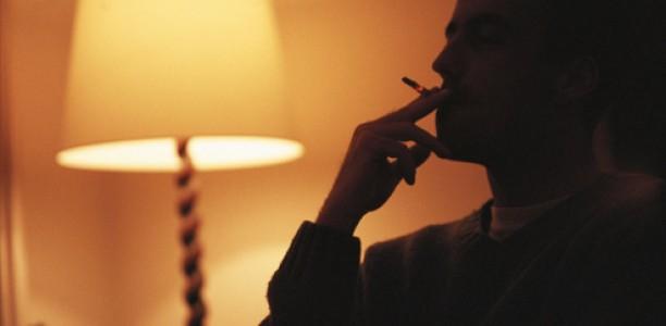 Κάπνισμα : Πώς επηρεάζει τον ύπνο σου ;